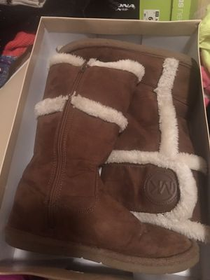 Michael Kors Fur Boots Size 5 for Sale in Houston, TX