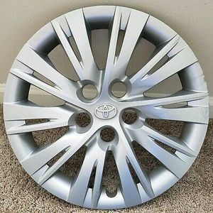 "Toyota 16"" full wheel covers for Sale in Hudson, FL"