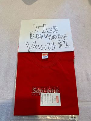 SWAROVSKI x SUPREME BOX LOGO XL NEW W/O TAGS READ DESCRIPTION for Sale in Miami Beach, FL