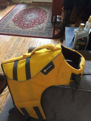 Roughwear dog life jacket for Sale in Fort Worth, TX