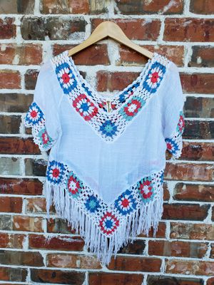 The cutest poncho shirt! Embroidered fringe size s/m for Sale in Forney, TX