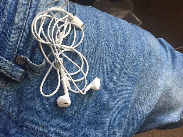 iPhone ear phones