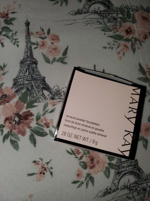 Mary Kay Mineral Powder Foundation for Sale in Puyallup, WA
