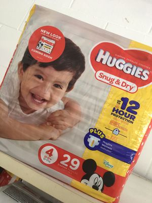 Huggies Diapers Size 4 - 4 for $20 for Sale in Eustis, FL