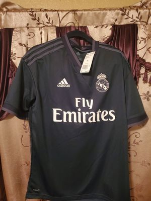Real Madrid Adidas Boys Soccer Jersey Size XL for Sale in Las Vegas, NV
