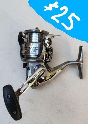 (Orange) Shimano Solstice 2500 FI Fishing Reel for Sale in Santa Ana, CA