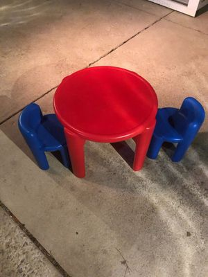 Kids table and chairs for Sale in Orland Park, IL