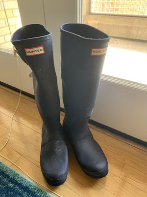 Tall navy Hunter boots, women's 8 for Sale in Washington, DC
