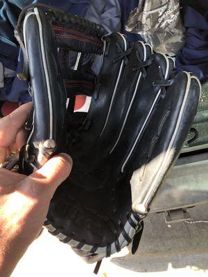 A2000 baseball glove best offer for Sale in Chandler, AZ