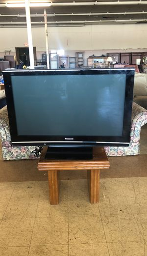 Panasonic 52inch tv for Sale in Riverdale, GA