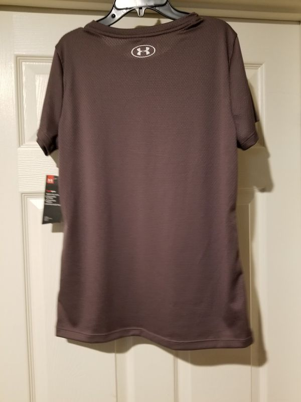 NWT Women's Under Armour Shirt And Shorts Size Medium Gray