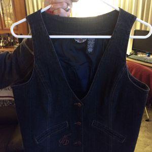 Woman's HD Stretch Denim Vest Size Lrg for Sale in Peoria, AZ