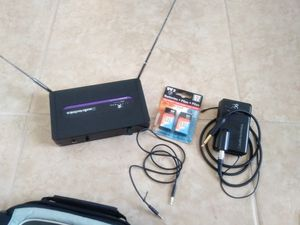 Wireless guitar systems with bag for Sale in Kissimmee, FL