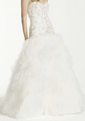 David's bridal wedding dress and accessories for Sale in Riverside, CA