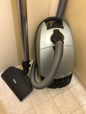 Miele Silver Moon Canister Vacuum Cleaner for Sale in Tacoma, WA