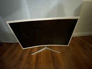 """Samsung 32"""" Curved LED Monitor 1080p FULL HD CF39 Series C32F397FWN for Sale in Santa Fe Springs, CA"""