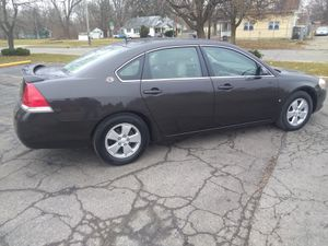 Chevy Impala l.t 2008 runs and drives good has 166,000 miles great on gas tires {contact info removed} for Sale in Flint, MI