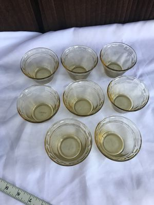 Set of 8 small Pyrex bowls for Sale in Kissimmee, FL