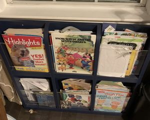 Book magazine holder for Sale in Charlton, MA