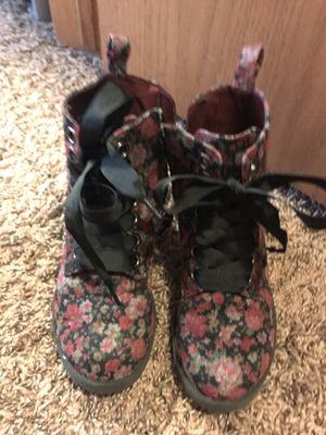 Girl boots for Sale in Belvidere, IL