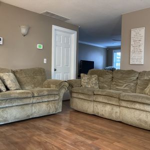 Lazy Boy Reclining Sofa and Loveseat for Sale in Washougal, WA