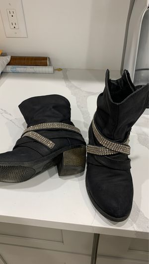 Boots for girl for Sale in Edgewater, NJ