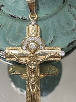 Crucifix Large Gold Plated Cross Pendant for Sale in Nashville,  TN