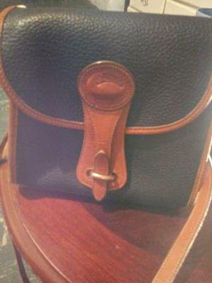 Dooney & Bourke cross body purse for Sale in Prattville, AL