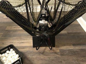 Newgy Robo-pong 3050XL for Sale in Fuquay-Varina,  NC