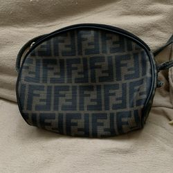 Vintage Fendi Bag 12x10 Black And Brown Gréat Condition for Sale in Homestead,  FL