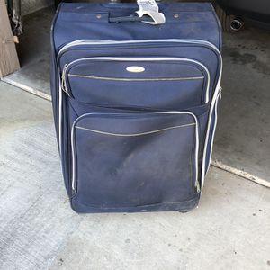 Samsonite luggage with handle no tears or rips for Sale in Huntington Beach, CA