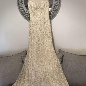 Wedding Dress for Sale in Sterling, VA