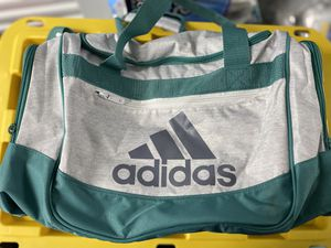 Adidas duffle bag for Sale in Sunnyvale, CA
