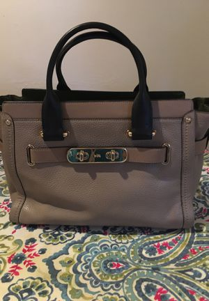 Coach swagger carry all - stone /navy with olive green color block for Sale in Burlington, VT