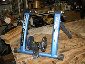 Minoura mag 850 bike trainer for Sale in East Wenatchee, WA