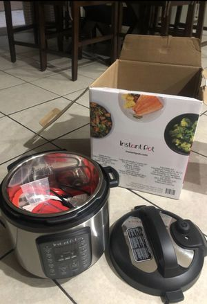Instant pot duo 6qt pressure cooker for Sale in Palmdale, CA