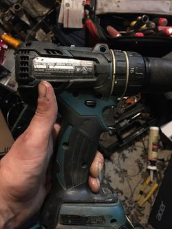 Makita 18 V video motor lithium ion impact hammer gun for Sale in St. Louis,  MO