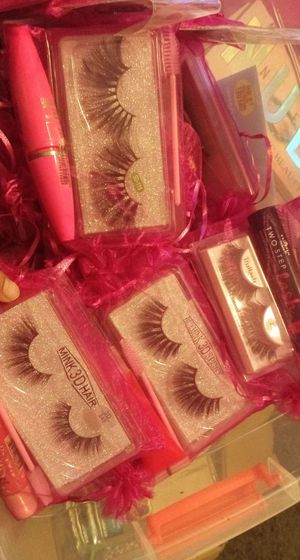 Lashes bags for Sale in Fresno, CA