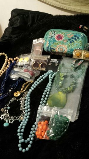 Purse & Jewelry Bundle for Sale in Fairfax, VA