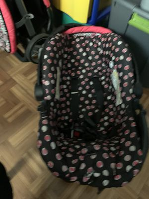 Baby stroller with car seat for Sale in Deep Run, NC