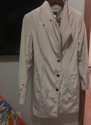 Slimming Trench Coat Aspired Burberry for Sale in Marysville, WA