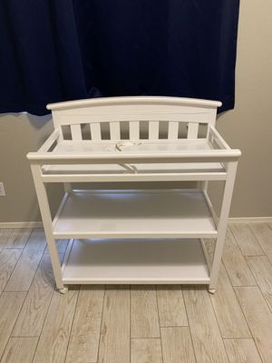 White changing table for Sale in Glendale, AZ