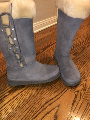 Brand new uggs women boot size 8. Very comfy & cozy inside. Gray color for Sale in Los Angeles, CA