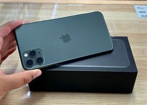Apple iPhone 11 Pro Max - 256GB - Space Gray (Unlocked) A2161 (CDMA + GSM) for Sale in Los Angeles, CA