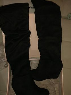 Brand New In Box 5.5 Knee High Black Boots for Sale in Las Vegas,  NV