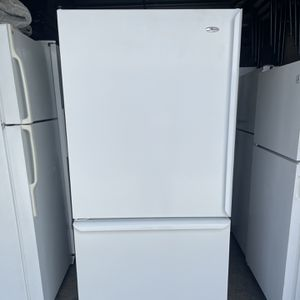 Amana Bottom Freezer White Refrigerator 33wide 69tall for Sale in El Monte, CA