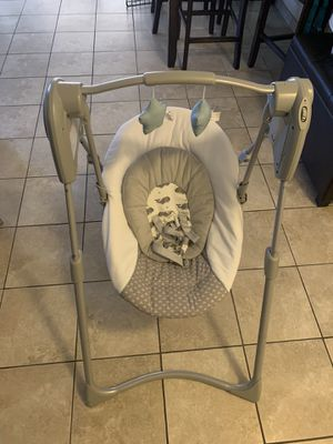Baby swing used twice for Sale in North Las Vegas, NV