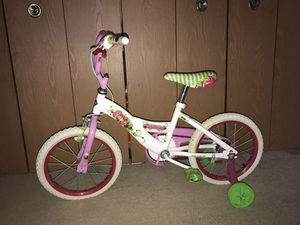 Strawberry Shortcake Bike for Sale in Southfield, MI