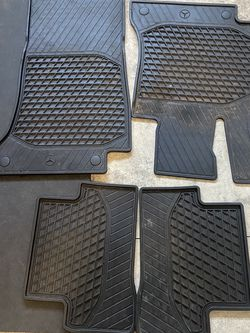 Mercedes C300 W205 Rubber Floor Matts for Sale in Portland,  OR