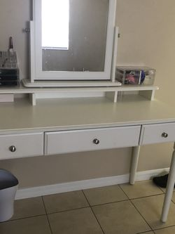 Vanity Set for Sale in Maitland,  FL